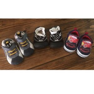 Set of 3 pairs of baby shoes